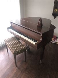 BALDWIN BABY GRAND PIANO