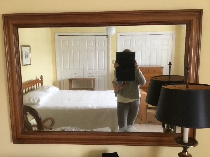 Mirror for chest drawer