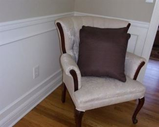 Excellent condition antique tufted sofa and 2 chairs, coffee table with 2 end tables