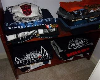 Lots of PC and PS game related T-shirts!