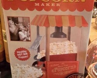 Old Fashioned Popcorn Maker, like new, in box.