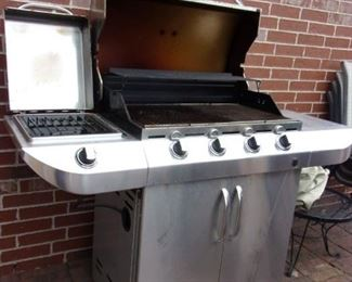"Char Broil Commercial ""Tru Infrared"" Grill"