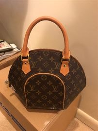 louis vuitton purses and tote