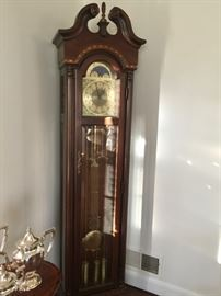 "Grandfather clock ""Pearl"" inlaid case"
