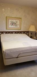 Tempurpedic bed
