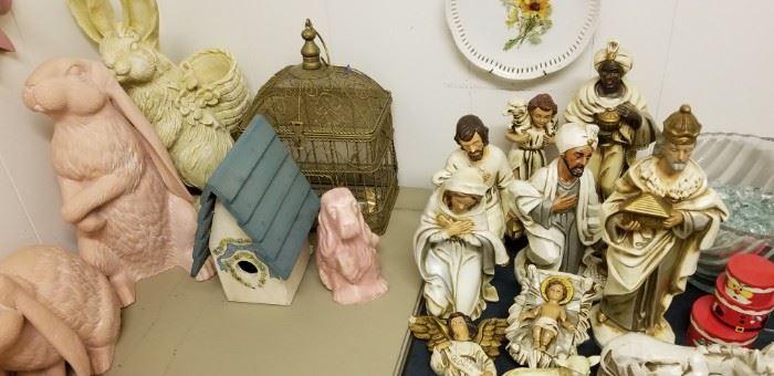 Vintage large nativity pieces