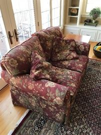 Like new very comfortable matching love seat