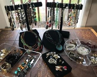 Stylish costume jewelry...also, come shop for the perfect outfit (sizes XL-XXL), pair of shoes (sizes 8.5-9) and purses too! Many new with tags.