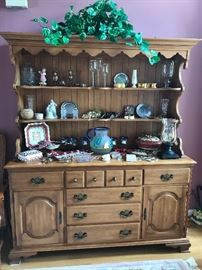 Beautiful buffet/hutch