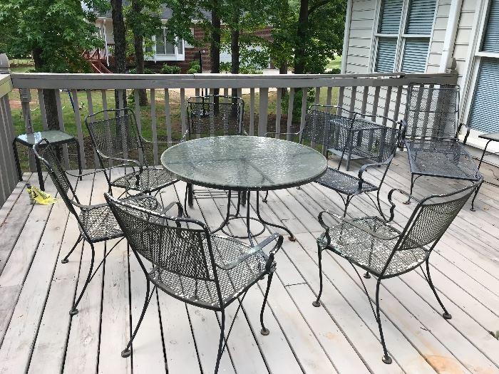 Patio chairs and table without cushions
