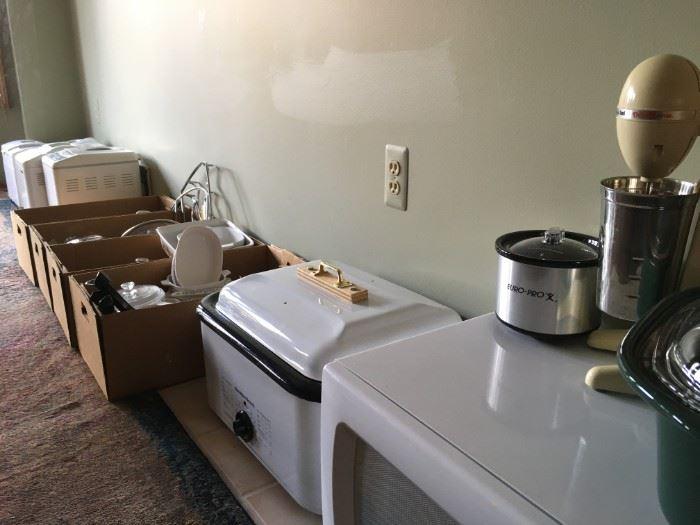 Mini appliances and kitchen wares.