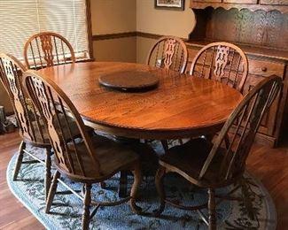 Oka dining room table with 6 beautiful chairs