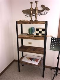 WOOD AND METAL SHELF / HOME DECORATIONS