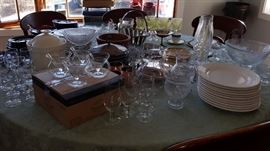 Lots of Decorative & Entertainment Ware