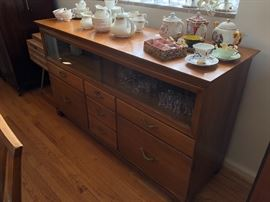 MID CENTURY CREDENZA WITH SLIDING GLASS UPPER CABINET