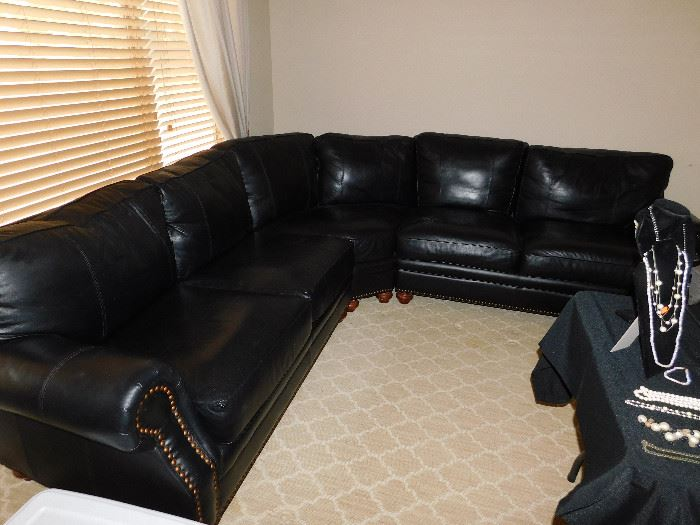 Broyhill black nail head sectional (3 pcs)