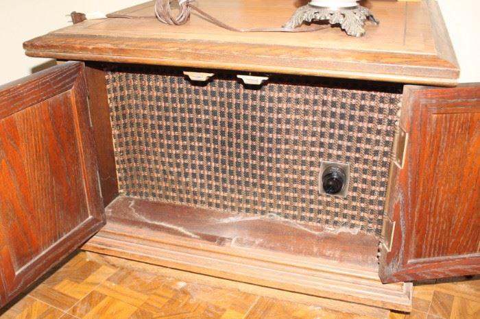 """Coffee Table """"Speaker"""", Mid Century, oak case"""