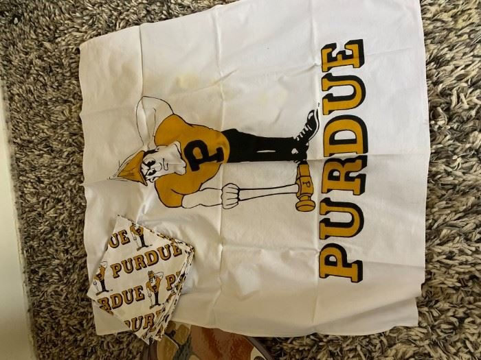 Purdue Tablecloth and Napkins