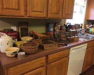 Antique & Vintage Kitchen Items. Baskets, Pottery Bowls, Rolling Pins,etc...