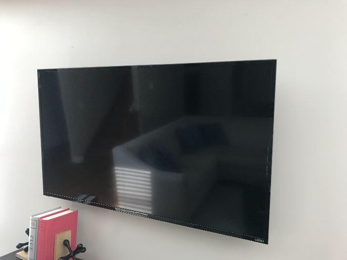 Flat screen TV (Vizio)