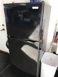 Small refrigerator (Vissani)