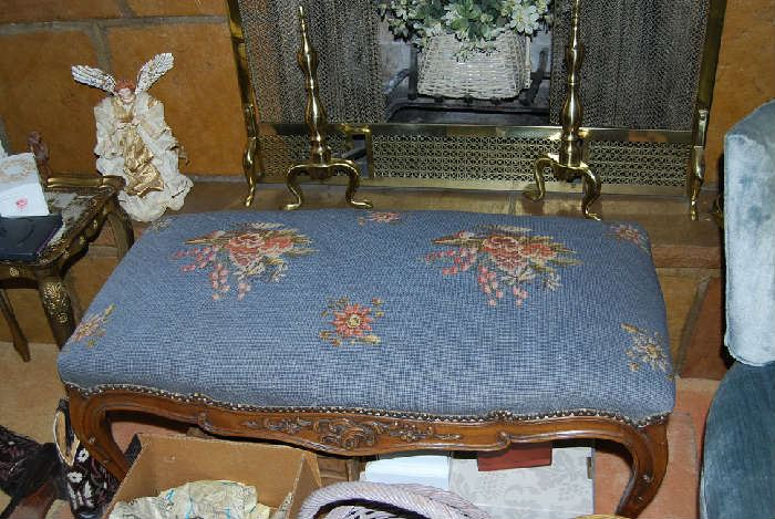 NEEDLEPOINT BENCH