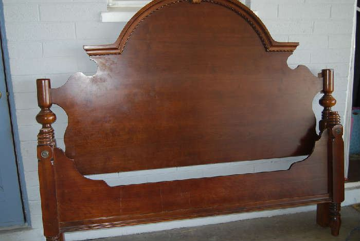 4 Poster King Bed (headboard, footboard, side rails)