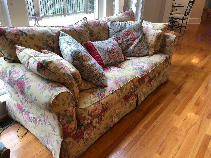 Floofy sofa couch. Nap worthy