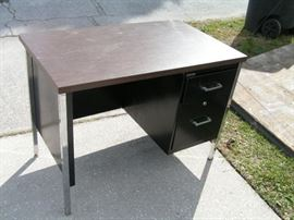 small metal desk 40 inches wide 24 deep 29 tall