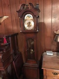 Colonial Grandmothers Clock