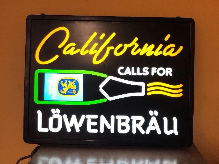 Lowenbrau Beer Sign Light