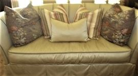 Beautiful Henredon sofa with pleated back