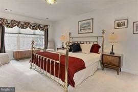 Oak Hill Bed