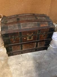 Great vintage dome top trunk