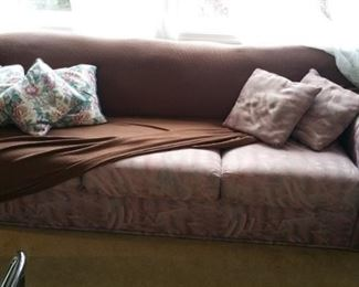 slouch couch - good condition but pink
