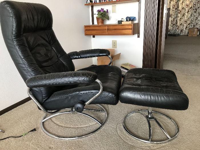 Stressless J.E. Ekornes/Ikornnes chair marked Norway Lots of wear