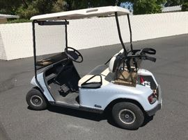 1998 EZ Go Golf Cart. 2 Brand new tires on back, Brand New battery. Must see, in excellent condition