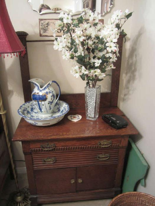Beautfiul Washstand that goes with the High Back Bed