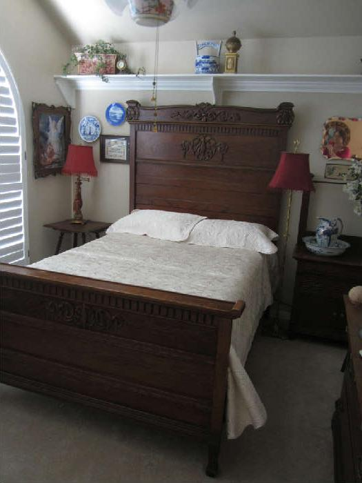Absolutely Beautiful Tall/High Back Oak Panel Bed With Carved Top Crest, Dental Molding