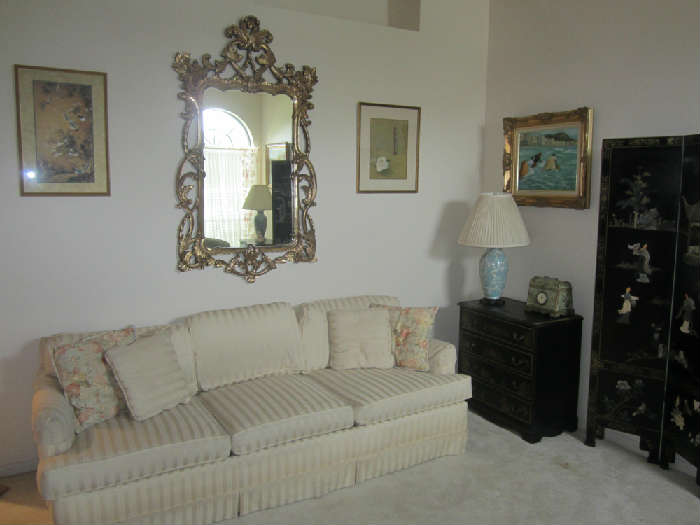 Chippendale Style Gold Leaf Mirror.  (Light Weight)