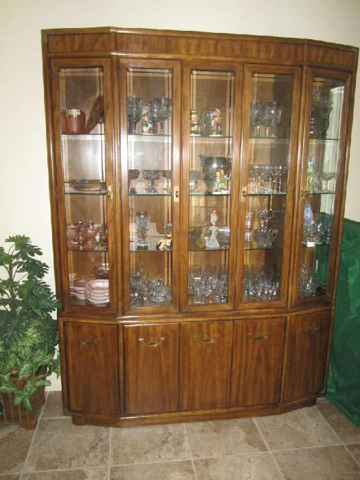 Beautiful Drexel China Cabinet