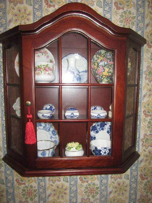Beautiful Mahogany Display Cabinet