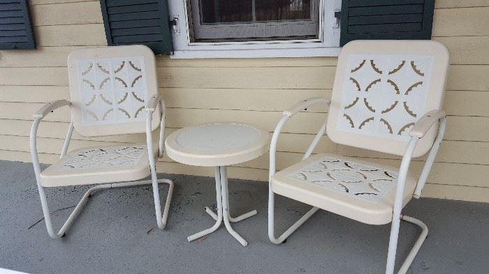 Motel chairs / conversation set - Vintage outdoor chic!