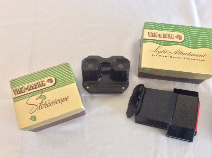 Vintage Sawyer's ViewMaster Stereoscope with Light Attachment and 15 Reels.