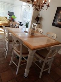 Great farmhouse table, pub style height, with leaf and 6 chairs. great price! $150!