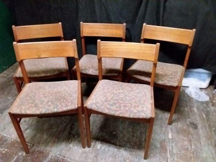 CH015 VS Teak Danish Chairs