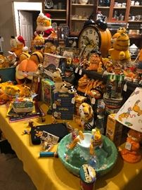 Eighties Gold!!! Vintage Garfield the Cat collectibles including rare finds like the aquarium and push button phones!