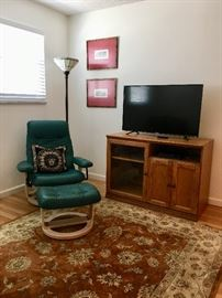 Stressless Type Chair and Ottoman