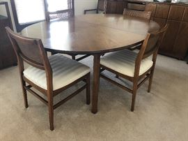 Dining table, oval with 6 chairs, and 2 leaves