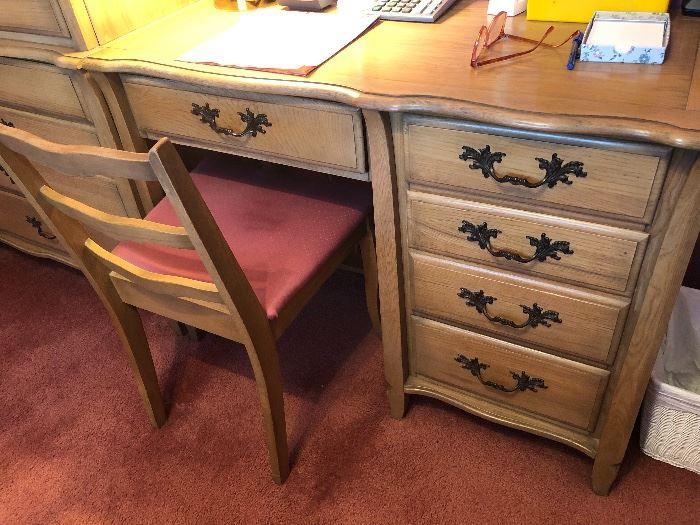 Vintage desk, desk chair
